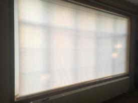 Cream roller blind 3m28 wide (328cm)