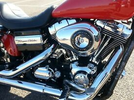 Harley Davidson Dyna Super Glide Custom. 2013 plate Vance and Hines exhaust