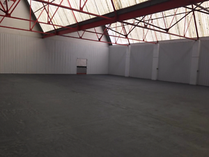 Wanted: private Storage Space of 150 m2 and over anywhere in Oran Orange Orange Area Preview