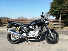 Yamaha XJR 1300 Black & Grey naked Ohlins suspension 2007 Twin exhausts.