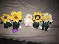 Small Anne geddes dolls