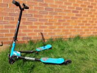 Y Flickr type scooter. Smyths own brand. Great condition