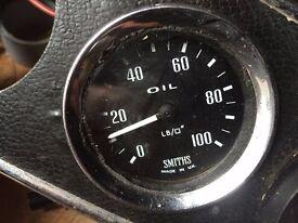 Classic Smiths 2 inch oil pressure gauge