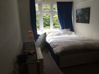 Double room in luxury flat share close to the Beach 5 mins town centre Asda university Lansdowne