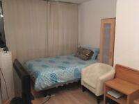 Double Bedroom to rent Roehampton