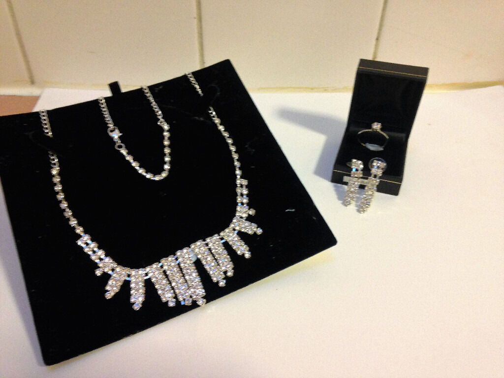 Fashion Jewellery earring, bracelet, necklacering shinning rhinestone setBRAND NEWin Sutton Coldfield, West MidlandsGumtree - BRAND NEW Silver fashion jewellery set matching earrings, bracelet, necklace and ring shinning rhinestone set. RRP £20.00 PLEASE CHECK OUT OTHER ITEMS IM SELLING