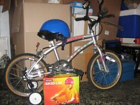 Boy's bike for sale, for 5-7 year old.