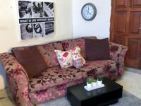FREE DELIVERY EXCELLENT FLORAL QUALITY DESIGN 4 + 2 SEATER SOFA