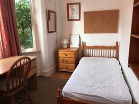 Room to let in central Headington shops/ Brookes all bills inc 135 pw