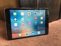 iPad mini 16GB space grey very good condition