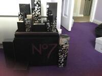 No7 beauty box