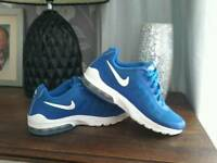 Nike air trainers unisex size 5