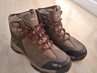Walking boots size 7/41