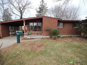 $259,000 - Bungalow for sale in Windsor