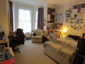ROOM TO RENT – LESS THAN 10 MINUTES FROM UNIVERSITY - £92 (pw) – NOTHING TO PAY TILL LATE JANUARY.
