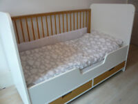 Kuster Nursery Cot Bed with Drawers, Mattress, Sheets and Bumper
