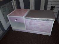 Unit: pink & white with side trunk. Reconditioned.