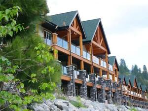 #302 5570 BROADWATER Road Castlegar, British Columbia