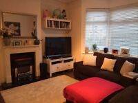 Deluxe 3 Bedroom House In West Drayton