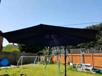 Cantilever garden umbrella parasol