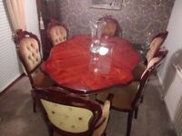 6 Seat Victorian Style Mahogany Dinning Table and Chairs