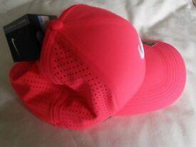 Pink unisex Nike Dri-Fit baseball cap
