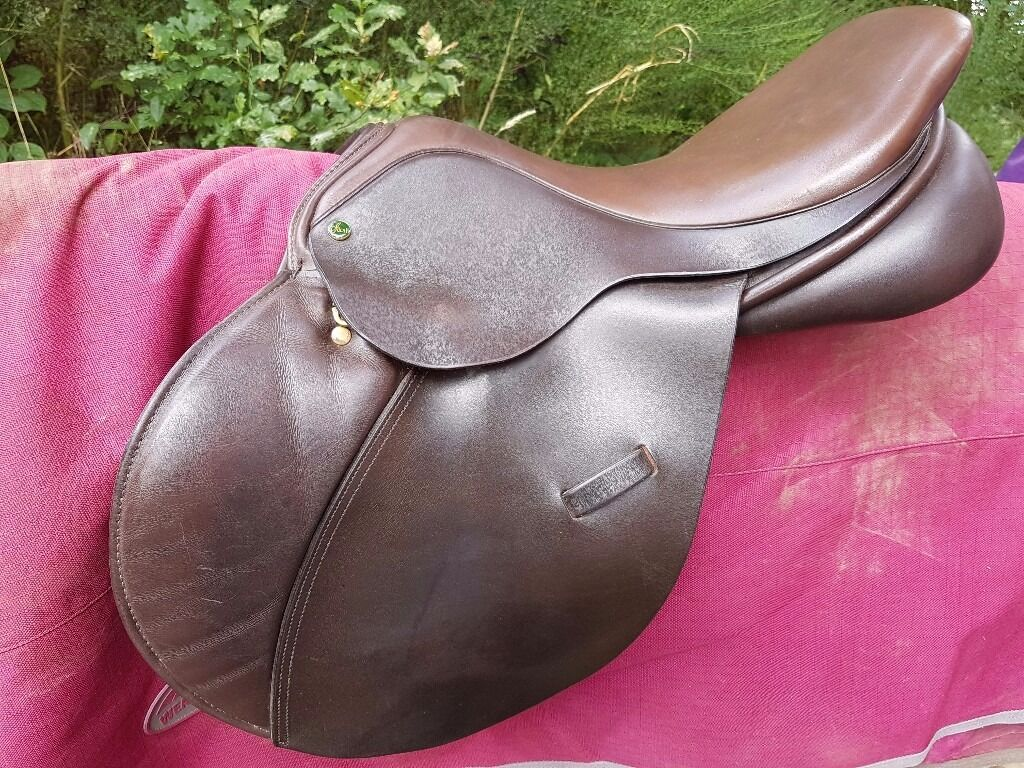 Ideal Impala jumping saddle