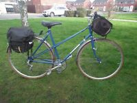 Vintage Dawes ladies town bike