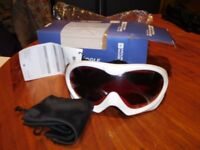 New Unused Mountain Warehouse White Ski Goggles - uv400 protection, anti fog, ventilated - in box!