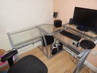 Good Corner computer desk