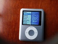 Apple Ipod 8Gb ingood clean working condition.