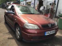 Vauxhall Astra Mk4 2000 1.8 Petrol Red breaking / spares - wheel nut
