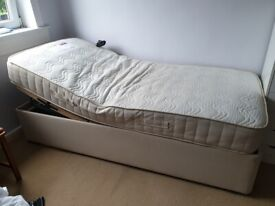 Adjustable Bed/ Electric bed