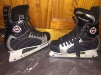 Koho 3320 Ice Skates (Size 5)