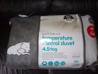 King Size Duvet SNUG Temperature Control 4.5 tog / Non Allergenic / Brand New