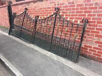 14ft bifolding driveway gates / estate gates / viewing essential these are top quality gates £300