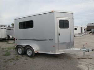 2016 Mission Trailers 2 HORSE STRAIGHT LOAD STARLITE