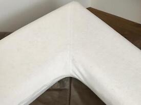 Memory foam v pillow