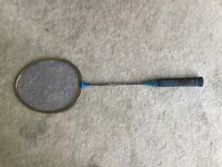 Badminton racket Carlton carbon fibre parallel shaft