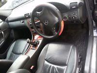 navy blue , 1 year mot, clean car, fsh, company car forced to sale