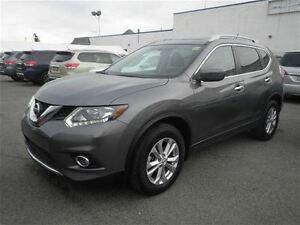 2016 Nissan Rogue SV AWD | Heated Seats | Roof | Bluetooth
