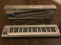 M-AUDIO KEYSTATION 61es Semi-Weighted USD MIDI Keyboard