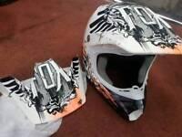 MOTOCROSS Fox v3 Montague helmet Ltd edition m/L 57cm