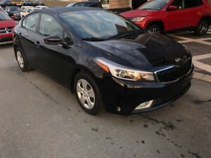 2017 Kia Forte GET A CHRISTMAS GIFT WITH EVERY VEHICLE PURCHASE!