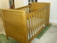 Mamas and Papas Newhampton cot/junior beds