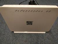 Smart Wireless Broadband Router Nd DSL IAD Bc1b 2db3 UK 4 Port - 1 USB