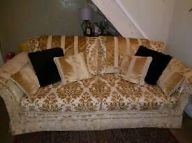 Sofa + 1 chair