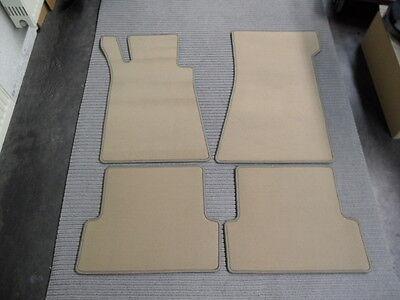 Velours Fußmatten für Mercedes Benz R107 SL / W107 SL + CHAMPIGNON BEIGE + NEU