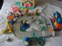Fisher Price Little People House Home With Figures and Furniture