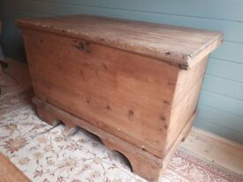Antique Pine Trunk/ Blanket Box W107xD64xH71